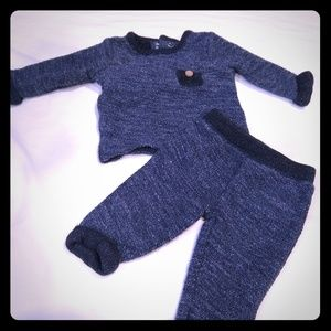 Carter's NB, sweater and pant set